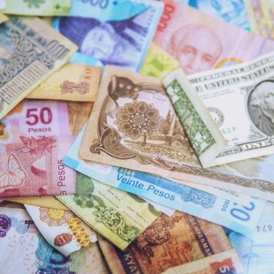 さまざまな外国紙幣